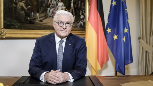 would you please tag on the picture of the Bundespräsident Steinmeier  (@bundespreasident.steinmeier)